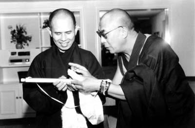 Thich Nhat Hanh con el Dalai Lama